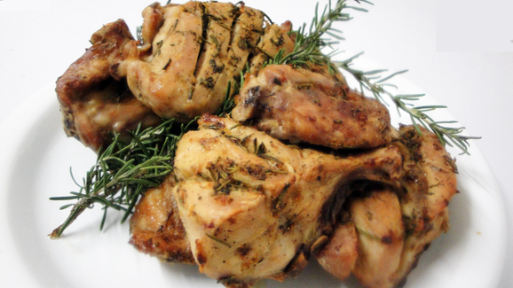 Your grilled rosemary and garlic chicken is ready – enjoy!