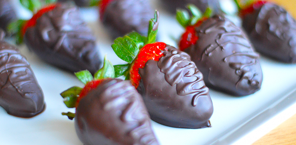 Chocolate-coated-strawberries_2
