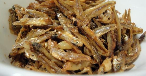 Home » Meats » Fish » 135: Pan fried Matemba (Kapenta) with onion